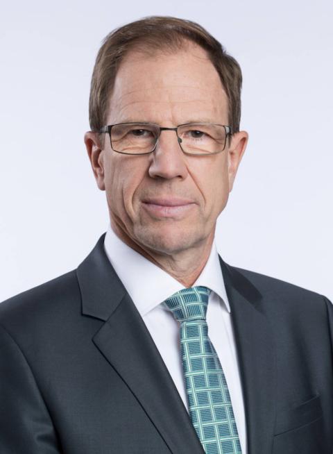 <b>Reinhard Ploss</b> ist seit 2007 Mitglied des Vorstands der Infineon ... - Dr.-Reinhard-Ploss.png_1737818094