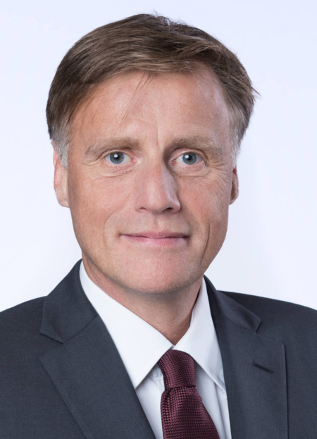 Jochen Hanebeck, Chief Operations Officer