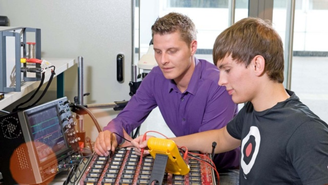 Or are you interested – like Andreas – in modern industrial and plant engineering?