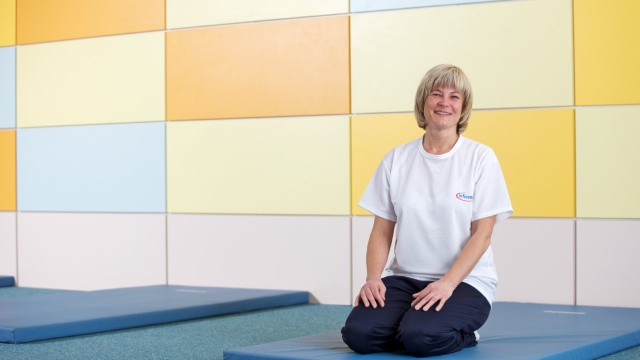 """For a long time, I had back problems. Then our health management suggested regular back training. What a great tip! The exercise room is close to my job and the flexible opening times make it really easy to use."" Petra Pausch, System Expert Manufacturing, Dresden"