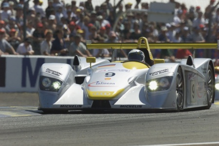 An Audi R8 in the 24 Hours Race of Le Mans 2000