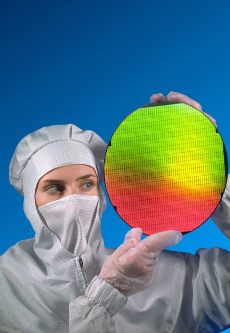 "Infineon Reaches ""Cost Crossover""-Milestone in 300mm Technology   Extends Competitive Advantage over 200mm Production"