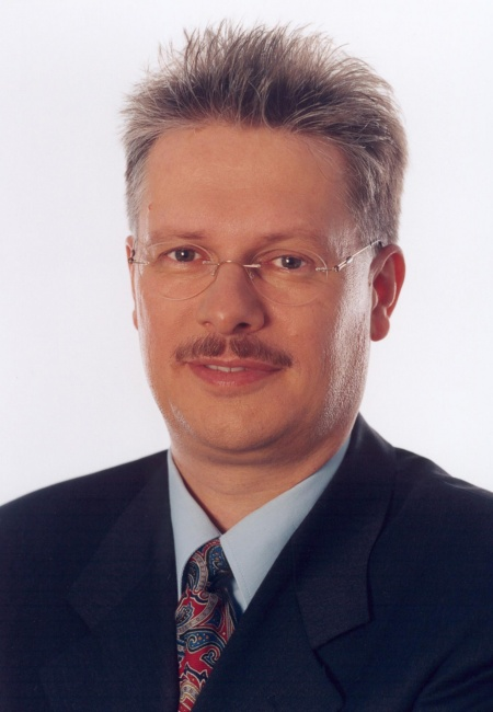 Ulrich Hamann, Senior Vice President and General Manager of Infineon's Wireless Group