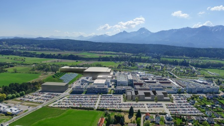 The visualization shows Infineon's new factory for power semiconductors at the Villach location in Austria