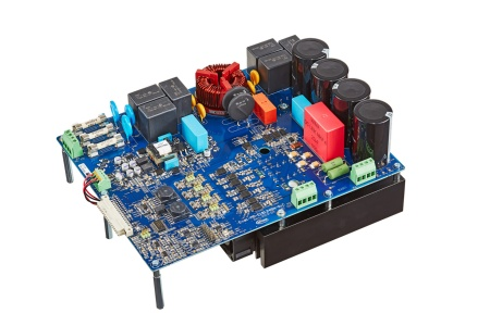 The evaluation board EVAL-M5-E1B1245N-SiC is optimized for general purpose drives as well as for servo drives with very high frequency. It features the EasyPACK™ 1B in Sixpack configuration with a 1200 V CoolSiC™ MOSFET and a typical on-state resistance of 45 mΩ.