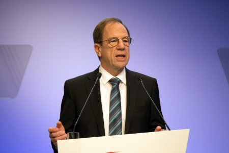 Dr. Reinhard Ploss, CEO Infineon Technologies AG, during his speech at the Annual General Meeting 2020.