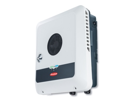 The Symo GEN24 Plus solar inverter from Fronius combines CoolSiC™ MOSFET modules in the booster and battery input with hybrid modules in the inverter stage. This ensures the best possible ratio of efficiency and cost.