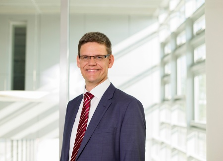 Peter Wawer, Division President Industrial Power Control of Infineon Technologies AG
