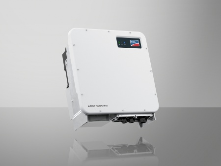 In the Sunny Highpower PEAK3, the CoolSiC™ modules almost double the specific output from 0.97 to 1.76 kW/kg. Due to the compact design, the inverters are much easier to transport and much faster to install.