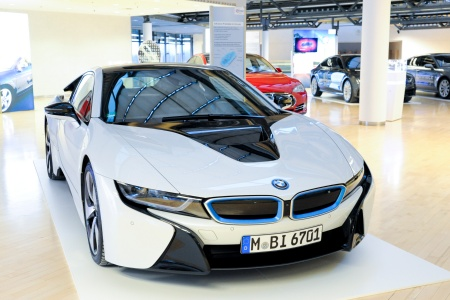 75 semiconductors from Infineon enable a highly efficient electric drivetrain of the BMW i8.
