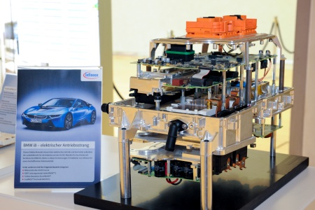 The picture shows the electronic module of the BMW i8. The module includes 75 components from Infineon, among them microcontrollers and IGBT power modules.