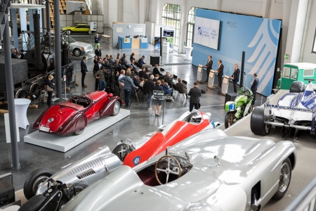 Press conference on the occasion of the signing of the innovation contract in the German Museum of Transportation in Munich (Photo Credit: BMVI)