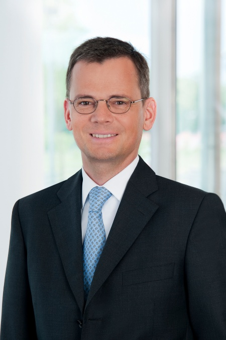 Dominik Asam, Member of the Management Board, Chief Financial Officer