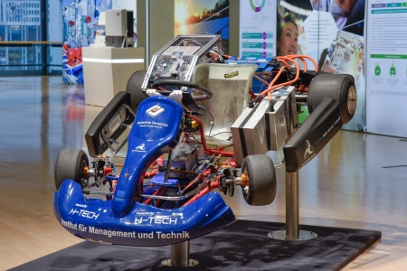 Thanks to Infineon this eKart has the world's fastest speed-up from 0 to 60 mph in 2.64 s.