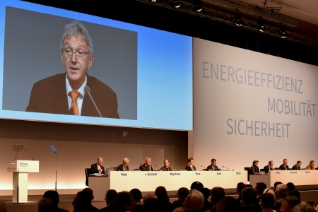 Wolfgang Mayrhuber, Chairman of the Supervisory Board Infineon Technologies AG, at his opening speech at the Annual General Meeting 2015.