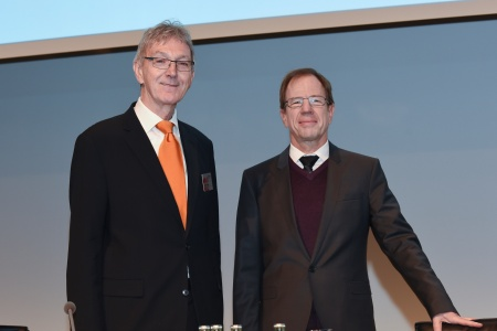 Wolfgang Mayrhuber (left), Chairman of the Supervisory Board, and Dr. Reinhard Ploss, CEO, Infineon Technologies AG.