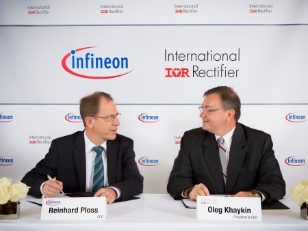 Dr. Reinhard Ploss, CEO of Infineon Technologies AG, and Oleg Khaykin, President and CEO of International Rectifier (from left)