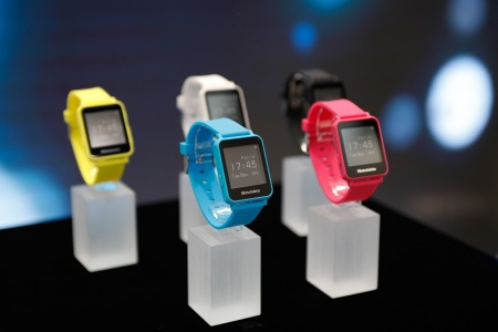 Infineon brings security to Smart Wearables: Watchdata's new Sharkey Smartwatch uses Infineon Boosted NFC Secure Element