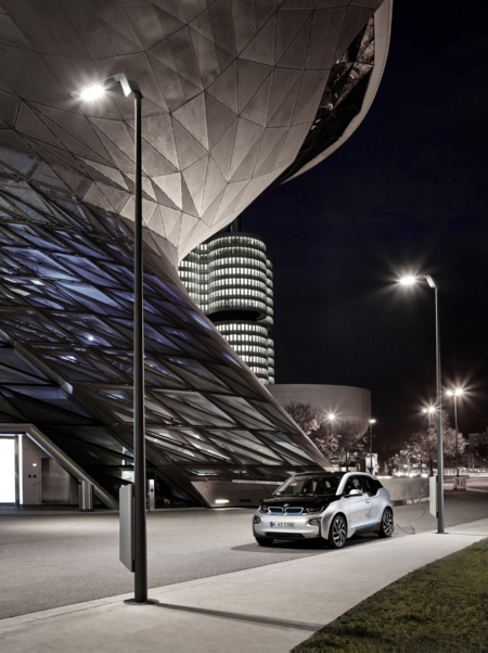 The intelligent streetlight from Infineon and eluminocity can offer a secured platform with scalable sensor hub, data processing and connectivity, it leverages existing cellular infrastructure and can support the evolution towards 5G deployment. <br> <br> Photo © BMW